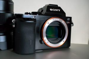 Sony A7R mit dem neuen FE Bajonett und großem FullFrame Sensor